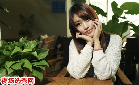 重庆高端商务素场招聘模特佳丽提供住宿舍日结无任务图片展示