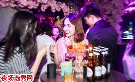 杭州哪家KTV领队招聘美女日薪1000人气爆满 大把的钱等你图片展示