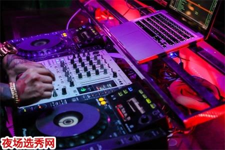 上海高端夜场招聘服务员信息〖不穿工作服〗图片展示
