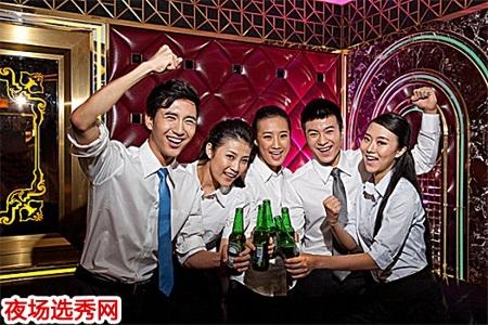 徐州夜场服务员利用微信与客人保持联系图片展示